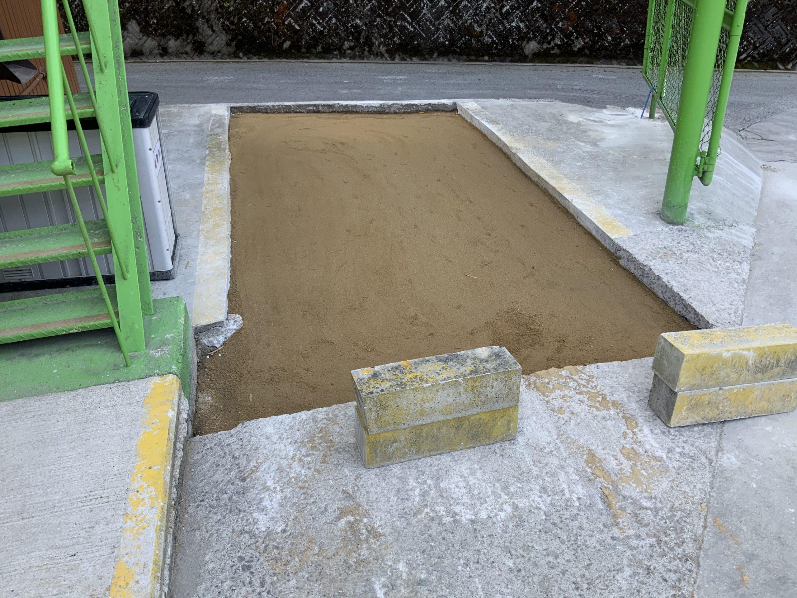 透水性コンクリート打設に向けて準備中